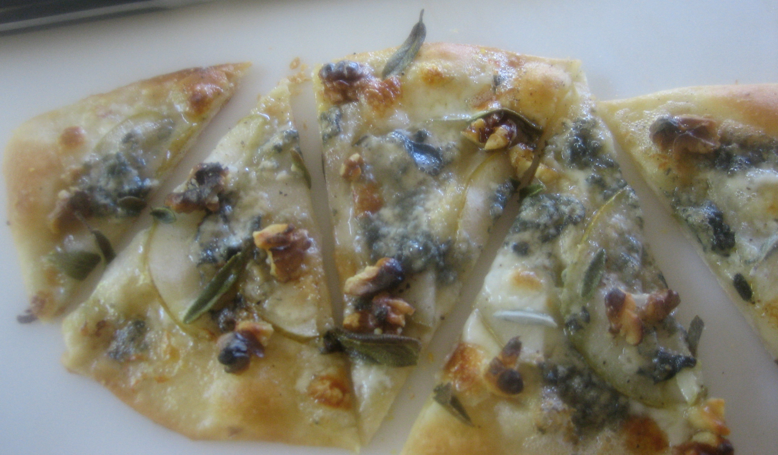 Mom's Pizza Dough Recipe File: pear gorgonzola pizza